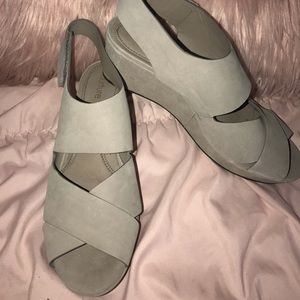 Nurture Pebbled Leather Gray Wedges Size 8.5